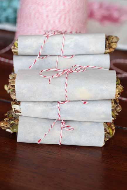 EASY GRANOLA-NUT BARS